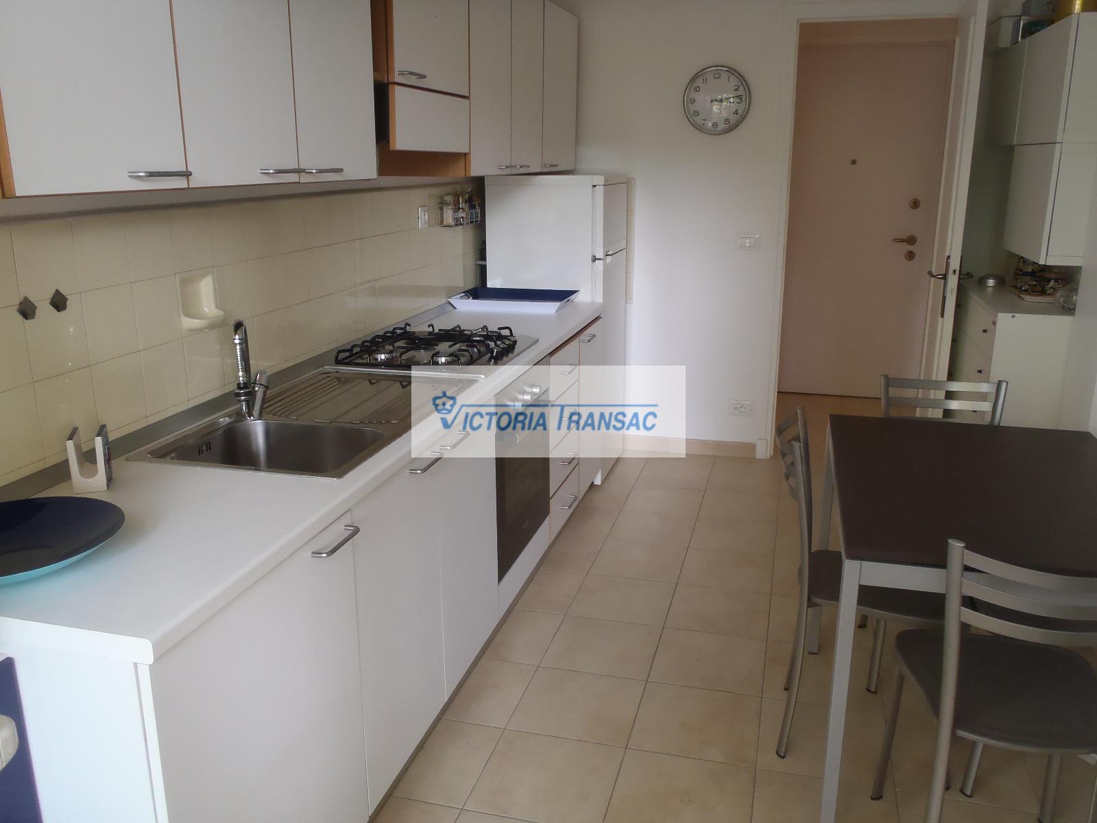 Vendita mentone monolocale mare balcone in comune cucina - Cucina balcone condominio ...